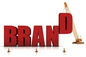 Desarrollo de marcas familiarizadas y marcas emergentes